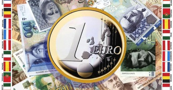 The euro was 20 years ago : the success of a currency which may itself