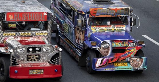In the Philippines, the jeepneys multicolored promised to the disappearance