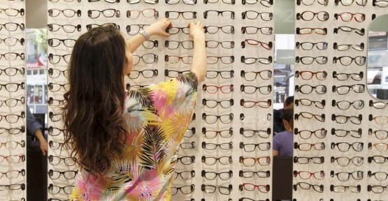 How opticians have survived the fall of refunds