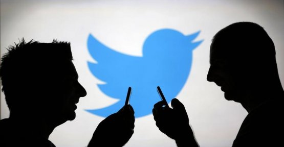Twitter warns of a hoax blocking the user account