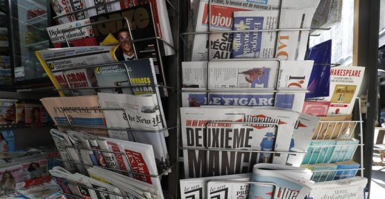 Can we predict the growth in reading newspapers ?