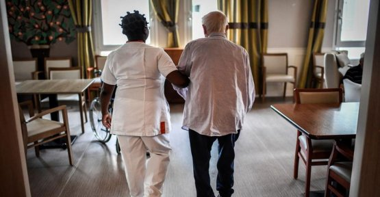 Death in a long-term care facilities : what is known of Korian, number one of the retirement homes