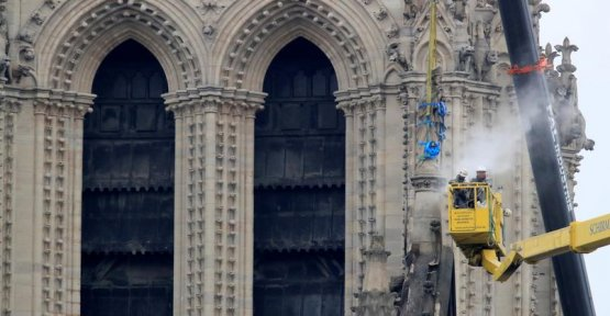 Reconstruction of Notre-Dame of Paris : five figures that give the dizziness
