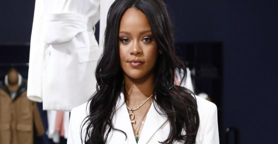 Rihanna becomes the singer and the richest in the world