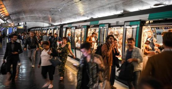 As soon as this Saturday, the paris metro open all night one weekend per month