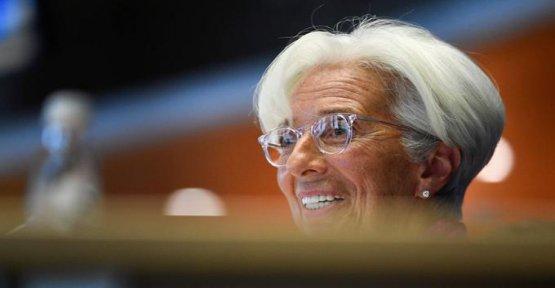 Bertille Bayart: The ECB will be snowing euros for Christmas?