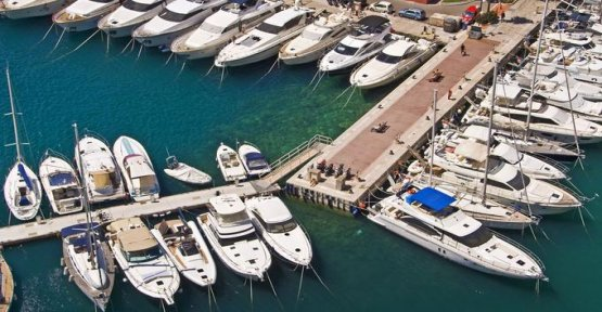 Boating industry booming seeks labour desperately