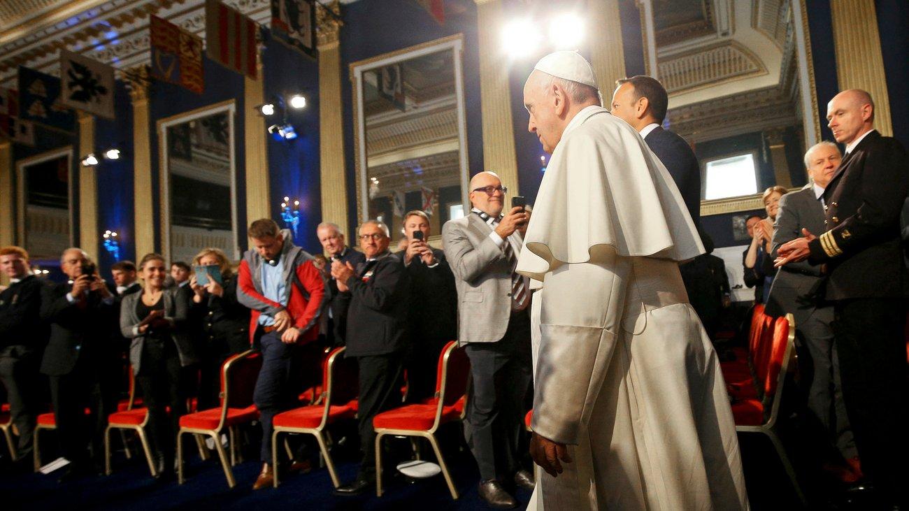 Katholische Kirche: Papst Franziskus verurteilt Missbrauch durch Geistliche in Irland