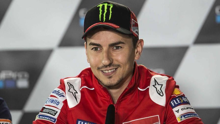MotoGP Silverstone Lorenzo e Dovi58; Ducati  forte44; con l39;acqua sar224; difficile