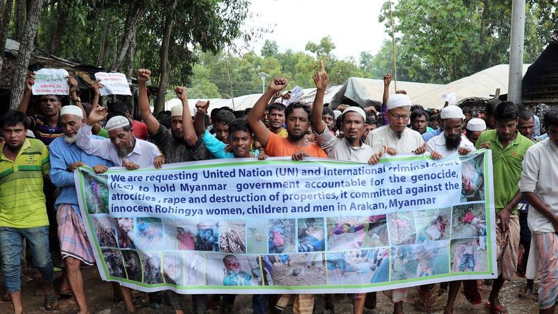 «Nous demandons justice»: les Rohingyas manifestent un an après leur exode de Birmanie
