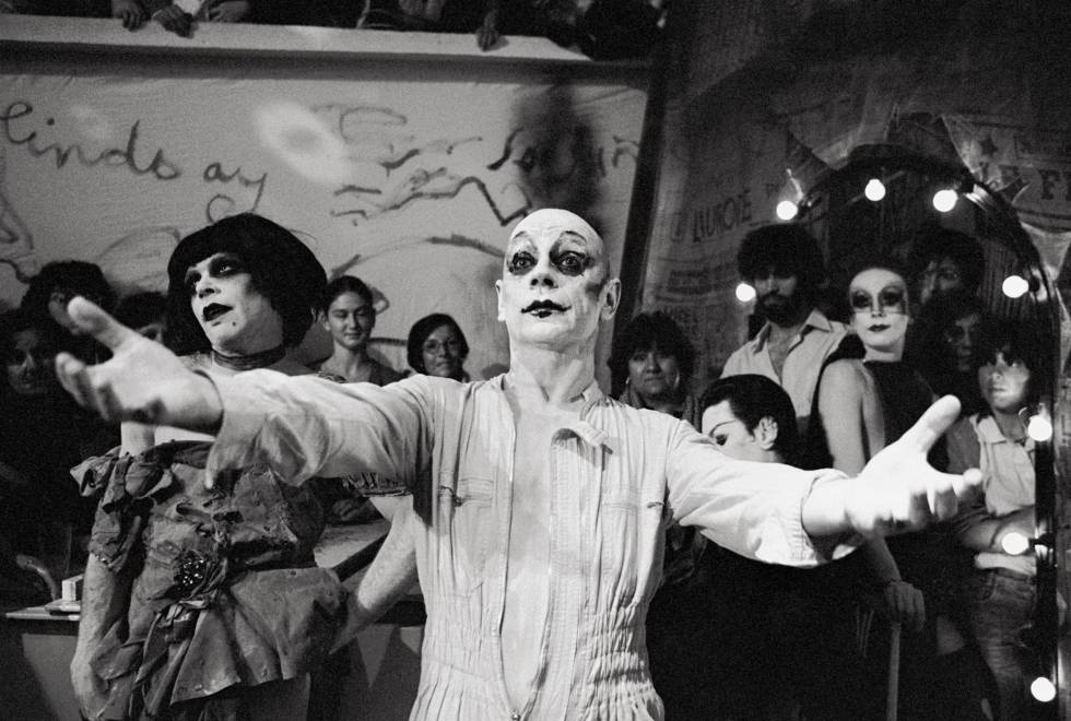 The death of the choreographer and mime artist british Lindsay Kemp