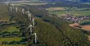 Wind turbines: around 8,000 machines in the country,...