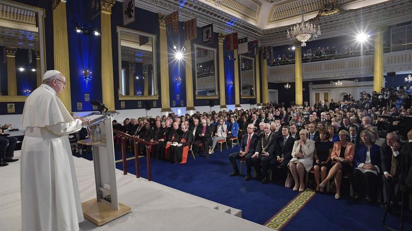 En Irlande, le Pape rencontre des victimes d039;abus pédophiles