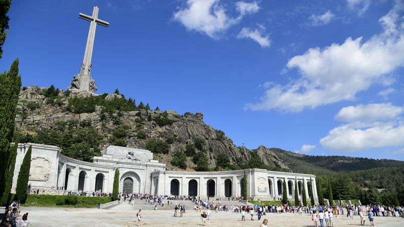 Exhumation de Franco : «Le gouvernement Sanchez a aussi des arrière-pensées idéologiques»