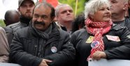In Dijon, the boss of the CGT shaken by...