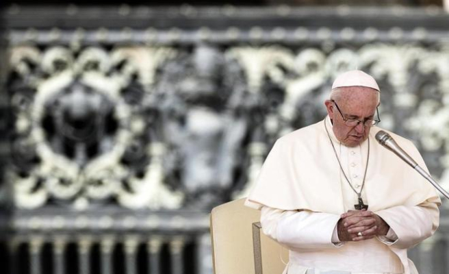 The former nuncio accused him to Pope Francis of covering up the abuses now points to the circle of pope Benedict XVI