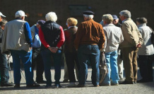 Uncomfortable prospects: millions of pensioners before crucial year