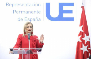 Cifuentes: four official trips, 11 days and 4.268...