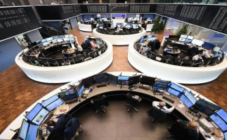 A weak auto sector, the Dax holds back - New records on the US stock exchanges without effect