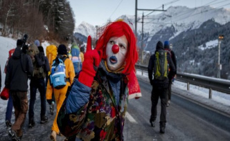 Climate protests in and around Davos on foot over the mountains