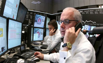 Dax records within reach - investors to leave Iran, Worries
