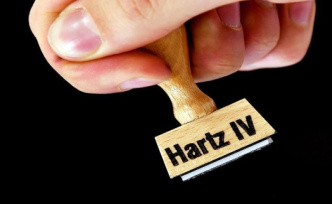 Hartz IV: judge to speak bottle collector to claim to support