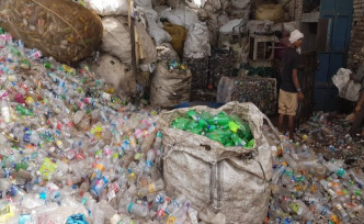 Recycling of plastic: India waives waste imports