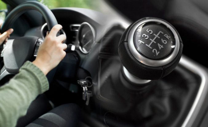 Things To Not Do When You Are Driving A Manual Car